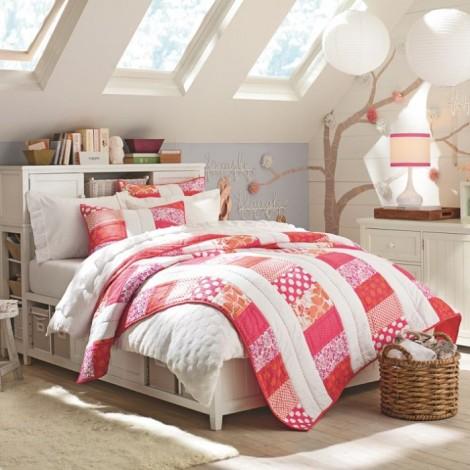 4-teen-girls-bedroom-34-700x700