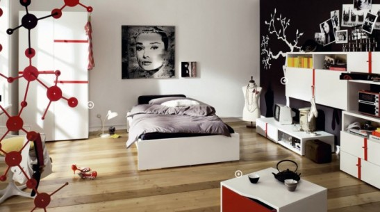 4-teen-girls-bedroom-43-700x391