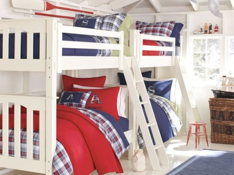 red-white-and-blue-bunk-beds-boys-room-700x526