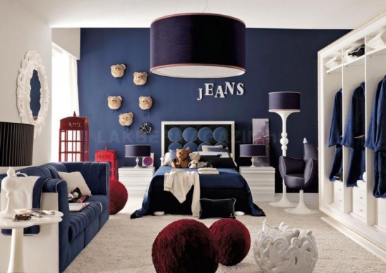 red-white-and-blue-denim-themed-boys-room-700x496